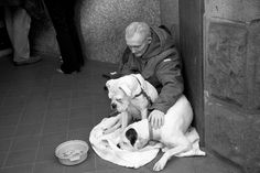 David Hurn G. Elderly man and his two, well looked after, dogs, forced to beg on the streets of Cardiff. People Photography, Animal Photography, Street Photography, Cannery Row, Elderly Man, Homeless People, Photographer Portfolio, Wales Cardiff, Helping The Homeless