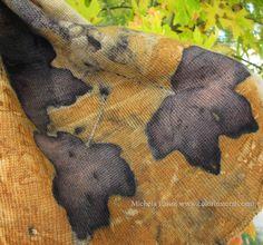 Rosso di Robbia Colori Naturali: eco-print sciarpa in lana stampata con foglie di acero campestre (Acer campestre L.)
