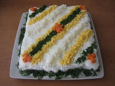 ETİMEKLİ SALATA Turkish Salad, Iranian Food, Food Decoration, Turkish Recipes, Vintage Recipes, No Cook Meals, Salad Recipes, Salads, Food And Drink