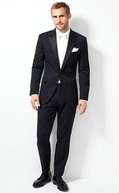 Ludlow tuxedo jacket with double vent in Italian wool    white bowtie