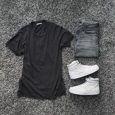 "1,133 Likes, 29 Comments - Kicks On My Feet (@kicksonmyfeet_) on Instagram: ""Coziness #johnelliottco #comix tee #iloveugly #zespypants #nikeid #freerun2 #outfit #outfitgrid…"""