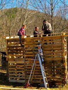 Making a Pallet Barn :: Hometalk
