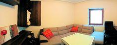 Apartament de vanzare in orasul Predeal (judetul Brasov, Romania), zona Cioplea, intr-un imobil cu regim de inaltime P+E+M, apartamentul fiind situat la parterul imobilului. Suprafata construita totala este de 60 mp si este compus din hol de acces, camera de zi, bucatarie, dormitor, baie si balcon deschis. Imobiliare Predeal. Apartment for Sale. Romanian Real Estate for Sale.