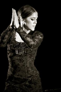 Patricia Guerrero Dance Movies, Spanish Woman, Dancing In The Dark, Dance Fashion, Dance Photos, Lets Dance, Black And White Portraits, Dance Costumes, Traditional Dresses