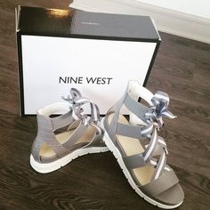 """STYLE // This just in: According to one of my guy friends """"T you know how to pick em'!!!"""" Why yes I'd like to think so!  Sporty with Snakeskin.? I mean......Is there anything MORE me?  She rugged and free but structured.  @ninewest for the win. Mr. Eazi: In The Morning #fashionblogger #styleblogger #womensstyle #womensfashion #personalstyle #shoes #snakeskin #sporty #sandals #theweekend #Dallas #dallasfashion #gray #ninewest #fashion #style #ties #grayshoes #saturday #picoftheday #bloggers…"""