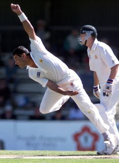 Waqar and the art of fast bowling!