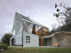 Haus 36 is a minimalist house located in Stuttgart, Germany, designed by MBAS Architekten. (2)