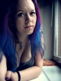 Manic panic Shocking blue Fuschia shock piercings