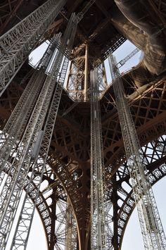 wieża od dołu