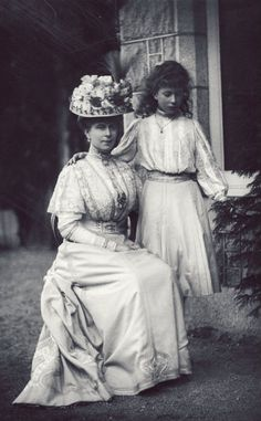 The two Marys (Queen Mary and her daughter Princess Mary) in the year 1907.