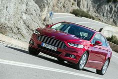 Η ηλεκτρική υποβοήθηση του συστήματος διεύθυνσης -στοιχείο που για πρώτη φορά συναντάται σε Ford Mondeo- δεν έχει αμβλύνει τα δυναμικά χαρακτηριστικά κίνησης του αυτοκινήτου και σε καμία περίπτωση δεν αμφισβητεί τον οδηγοκεντρικό προσανατολισμό του http://auto.in.gr/presentations/article/?aid=1231392606 #auto #car #ford #mondeo