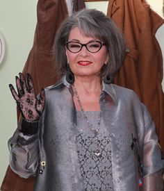 Roseanne Barr to guest on  The Office