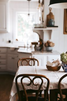 Fancy Kitchens, Cozy Kitchen, Coffee Table Books, Slow Living, Simple Colors, Getting Cozy, I Feel Good, Terracotta Pots