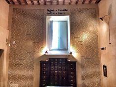 Troppe parole. Qui ci vuole una sintesi.  #alTrasimeno foto di @lddio a Palazzo baldeschi TrasiMemo - Banca della Memoria del Trasimeno