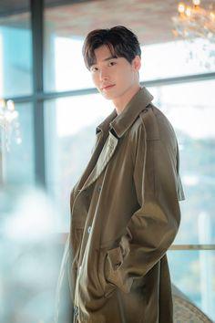 Romance us a Bonus Book Naver Lee Jong Suk Cute, Lee Jung Suk, Jung Hyun, Kang Chul, Hyun Suk, Suwon, Cha Eun Woo, Asian Actors, Korean Actors