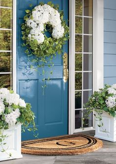 Light and airy puffballs of petals add delicacy to our Hayley Hydrangea Vine Collection.