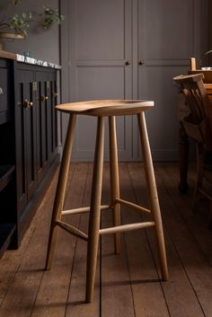 Our handcrafted and award-winning Bum Stool is so special. This wooden stool is designed to be completely supportive and comfortable it distributes your weight evenly and encourages a healthy sitting posture.