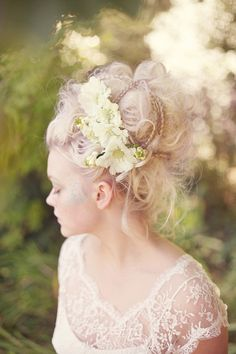 Gorgeous Marie Antoinette inspired wedding hair style, by @ElbieMUAHair