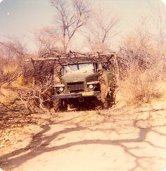 This photo was taken about the fourth day after SADF had attacked Onjiva in… Army Day, Troops, Soldiers, Defence Force, Military Weapons, Photo Essay, African History, War Machine, Military History