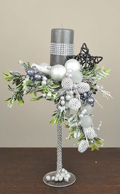 1 million+ Stunning Free Images to Use Anywhere Christmas Candle Decorations, Christmas Flower Arrangements, Christmas Flowers, Christmas Tablescapes, Christmas Candles, Floral Arrangements, Christmas Design, Christmas Wreaths, Christmas Crafts