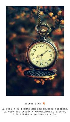 Clock Wallpaper, Watch Wallpaper, Brown Aesthetic, Aesthetic Vintage, Old Clocks, Foto Art, Jolie Photo, Vintage Photography, Oeuvre D'art