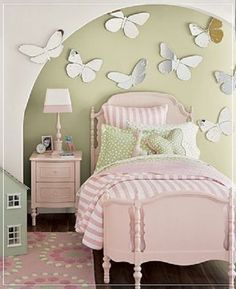 I am scared to have a little girl, however, if I ever do I would love to make her room like this one