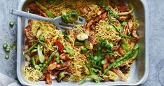 The ever-popular chow mein gets a modern update with the addition of fresh green Asian vegies and chicken thigh fillets.