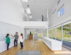 Centro de Pesquisa em Energia Solar Chu Hall / SmithGroupJJR | ArchDaily Brasil