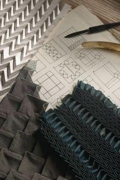 Pietro Seminelli, Plisseur, Maître d'Art 2006 Textile Texture, Textile Fabrics, Fabric Textures, Textures Patterns, Fabric Patterns, Textile Art, Sewing Patterns, Techniques Textiles, Fabric Manipulation Techniques