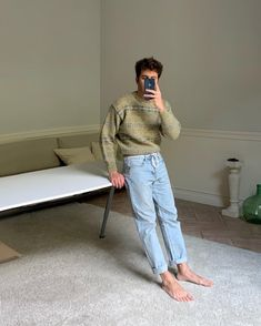 """joan on Instagram: """"/ bruno @pellicerestudio 🍃"""" Mode Instagram, Casual Outfits, Fashion Outfits, Best Mens Fashion, Thrift Fashion, Look Cool, Aesthetic Clothes, Poses, Vintage Outfits"""