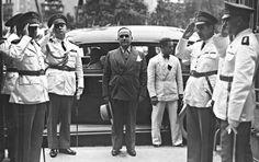 Getúlio, em visita à Escola de Comando e Estado-Maior do Exército, em 1938, ano de consolidação do Estado Novo e do fim do romance com Aimée Simões Lopes