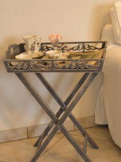 Maryd tepsili sehpa ye il 58x38x58 cm ikea oturma for Table roulante pliante ikea