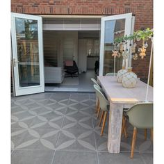 Terrassenfliesen Optimum Decora 60 x 60 x 4 cm Silver Rose - Beliebt - Terrassenfliesen . - Terrassenfliesen Optimum Decora 60 x 60 x 4 cm Silberrose – Beliebt – Terrassenfliesen Optimum D - Cozy Patio, Under Decks, Outdoor Living, Outdoor Decor, Outdoor Life, Back Gardens, Silver Roses, Exterior, Fixer Upper