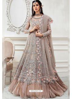 Light Beige Heavy Designer Party Wear Suit Latest Pakistani Dresses, Pakistani Designer Suits, Pakistani Fashion Casual, Pakistani Dress Design, Designer Anarkali, Pakistani Suits, Indian Fashion, Costumes Anarkali, Anarkali Gown