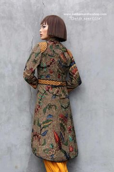Batik Amarillis made in Indonesia www.batikamarillis-shop.com          we proudly present Batik Amarillis's Ildiko 3 an outfit which fit to the Queen such a beautiful, elegant & unique long tailed outer which features rare & beautiful hand drawn 'beras tumpah'  From Tegal
