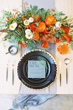 Luxe Modern Place Setting with Gorgeous Fall Details | Allen Tsai Photography | http://heyweddinglady.com/edgy-modern-wedding-dramatic-blood-orange-black/