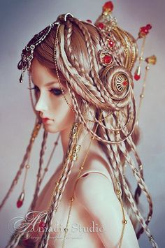 incredible hairstyle, not something I could ever produce.  [Akamie by Amadiz, via Flickr.]: