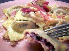 tortelli al radicchio in sugo di speck e noci