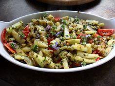 Das perfekte Zucchinigemüse-Rezept mit Bild und einfacher Schritt-für-Schritt-Anleitung: Zucchini in Scheiben oder Streifen schneiden. Knoblauch in…