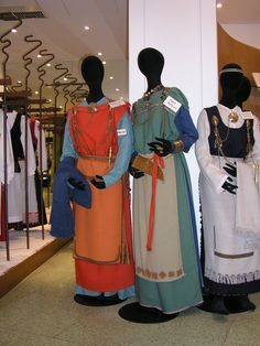 Koka Veiko: RAHVARIIDED (1). Soome vana rahvariie ja/või rekonstruktsioonid arheoloogiliste leidude põhjal. Finnish traditional clothing (?), older type, basically look like reconstuctions of iron age dresses.