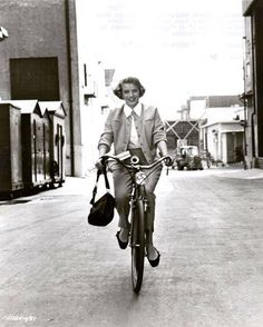 """Rosemary Clooney riding to the set of """"White Christmas."""" https://www.facebook.com/ridesabike/photos/a.305102016196830.75909.182038875169812/1911733312200351/?type=3&theater"""