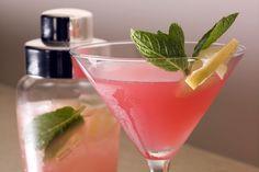 7 Fun Ideas for Custom Cocktail Gift Baskets
