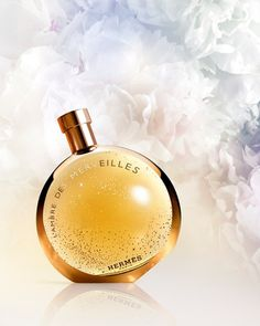 TRY: Hermès - l'Ambre des Merveilles Elegant Perfume Ad, Cosmetics & Perfume, Perfume Bottles, Coco Chanel, Low Key Photo, Advertising Pictures, Bottle Drawing, Lovely Perfume, Ideas