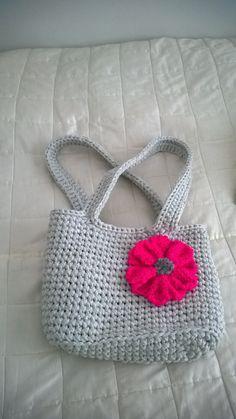 Pirteä kevätlaukku :)