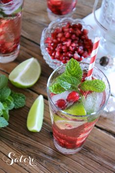 Beautiful festive pomegranate mojitos that are perfect for Christmas entertaining all season long!