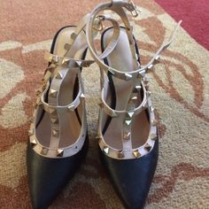 Black, Cream, and Gold Studded pumps. SUPER CUTE MAKE ME AN OFFER Liliana Shoes Heels