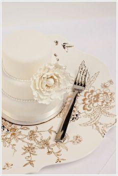 petit wedding cakes by glenda