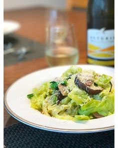 luciaさんのお料理今朝は 春野菜のバジルソース 春のお野菜はチカラがみなぎってて 元気になります フリウーリと共に #snapdish #foodstagram #instafood #food #homemade #cooking #japan #japanesefood #料理 #手料理 #ごはん #おうちごはん #テーブルコーディネート #器 #お洒落 #ワイン #ていねいな暮らし #暮らし #パスタ #ディナー #春野菜 #旬 #バジル #スパゲティ #春キャベツ #spafhetti #pasta #春 https://snapdish.co/d/LL05Wa