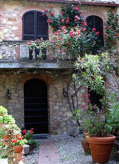 Case e fiori a Montefollonico   Flickr - Photo Sharing!