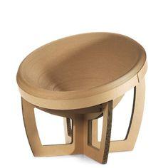 La poltrona K'Un si caratterizza per la seduta circolare in cartone fortemente avvolgente. Scopri tutti i prodotti della linea Uroboro sul nostro sito: www.corvasce.it #corvascedesign #design #interior #decor #honeycomb #cardboard #furniture_design